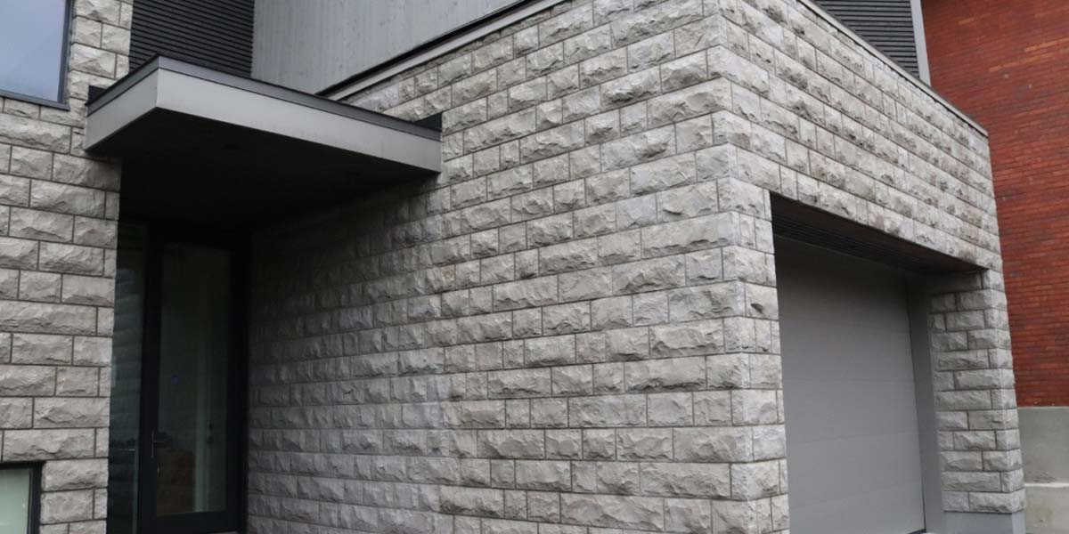 Cobalt Valley veneer stone garage