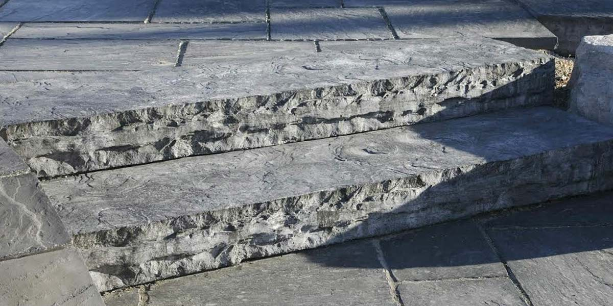 Eramosa Flamed (Traditional) stone patio steps