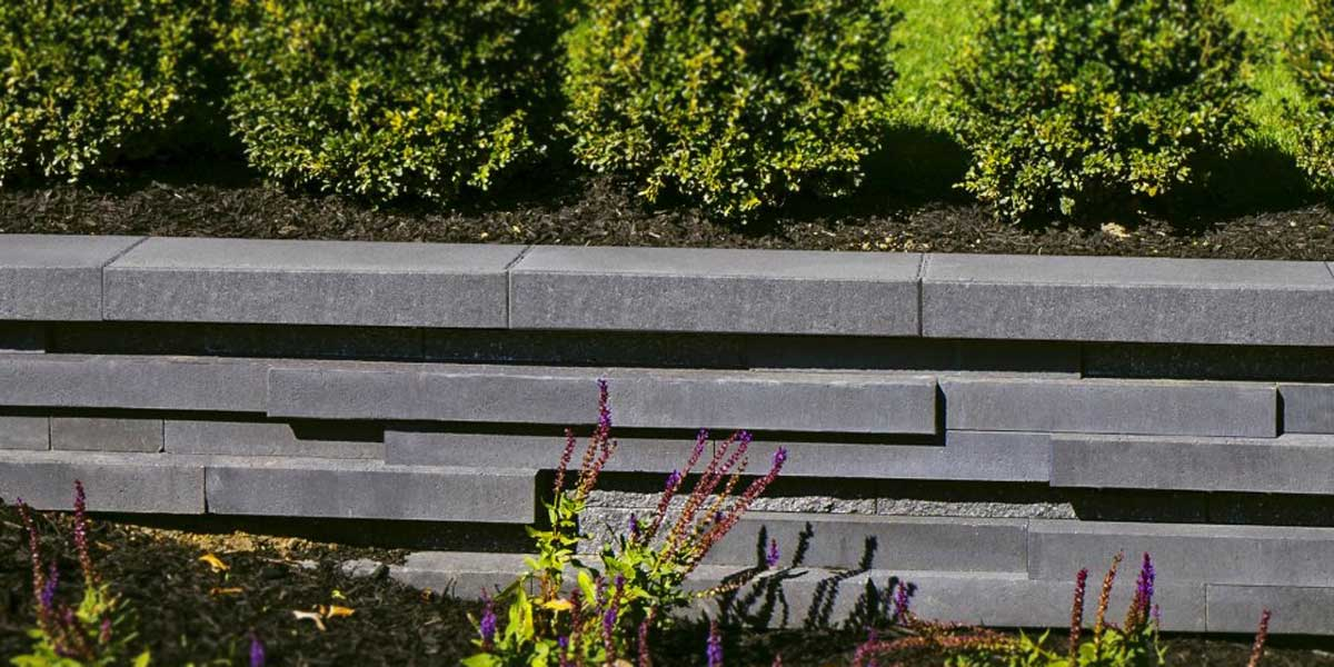 Graphix Cap topping ultra modern garden barrier wall