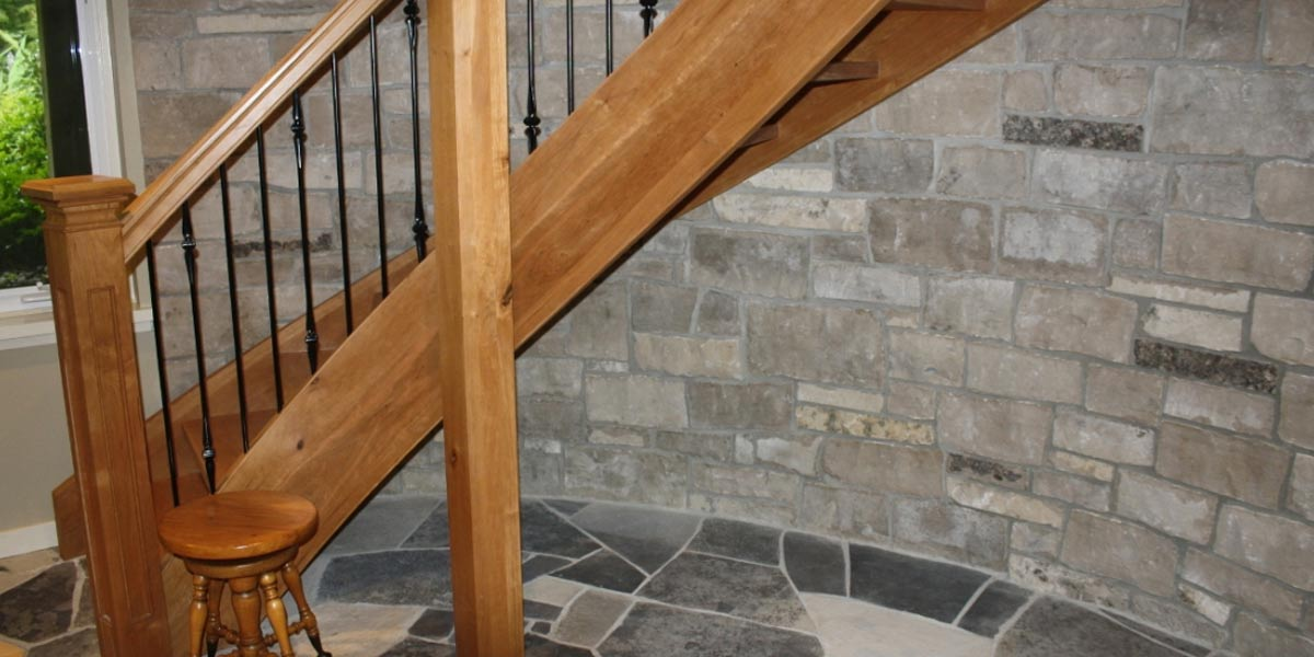 Guelph Buff veneer stone curved wall