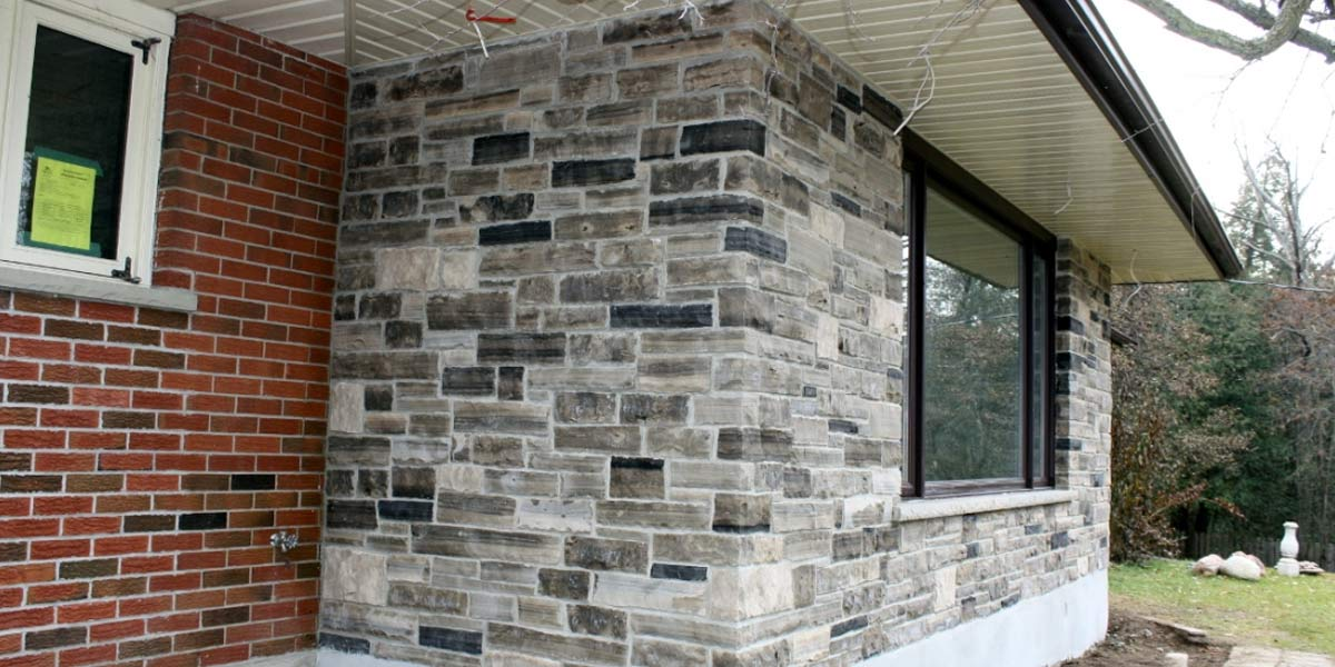 Olde English Blend veneer stone home addition