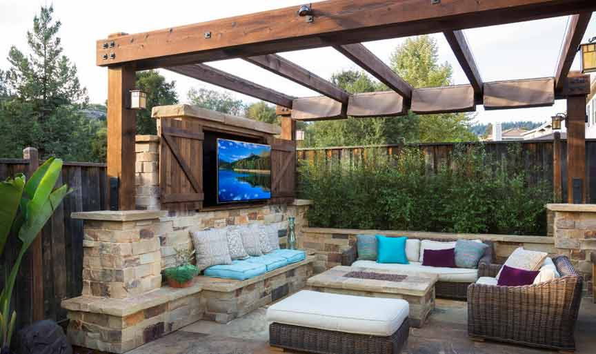 Pergolas & Outdoor Living Rooms